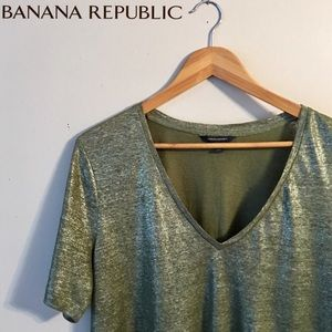 Banana Republic Green Shimmer Vee Neck Tee